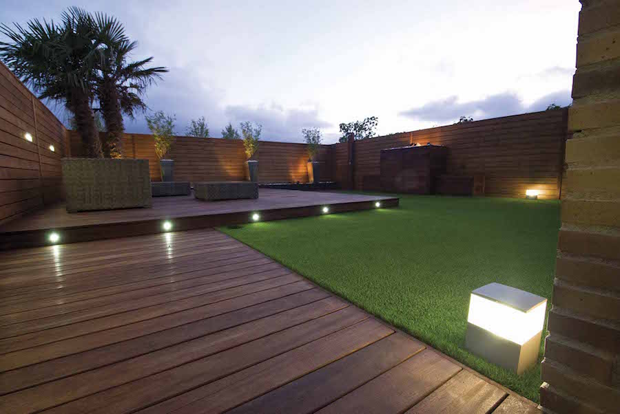 Jardin tarima iluminado post
