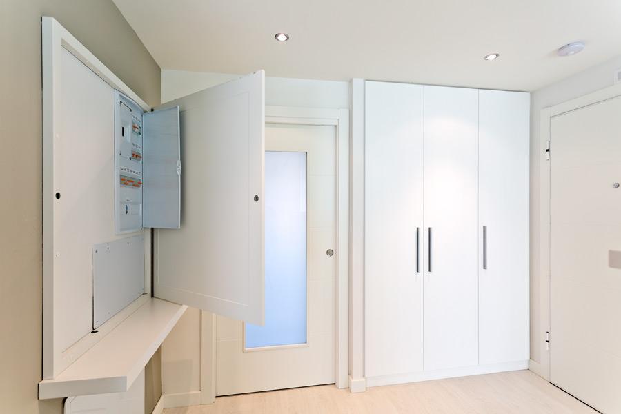 Cajas para tapar cuadro de luces affordable muebles - Recibidores a medida ...