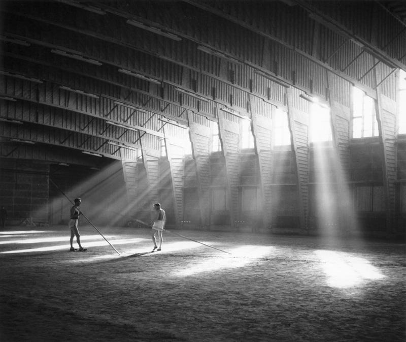 Polideportivo de la Universidad de Otaniemi. Alvar Aalto (1.952) / Fotografía:Heikki Havas