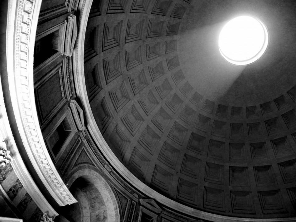 Entrada cenital de luz en el panteón de Agripa, Roma (118-125 d.C) / Fotografía:Vanesa Gutiérrez